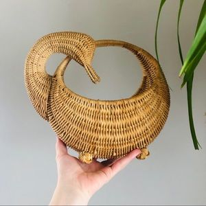 Swan Wicker Rattan Decor Basket Wall